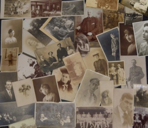 Don't Disappear From Your Own Family Album| You'll find this and other quick and easy life hacks and organization hacks at https://rnn10.wordpress.com.